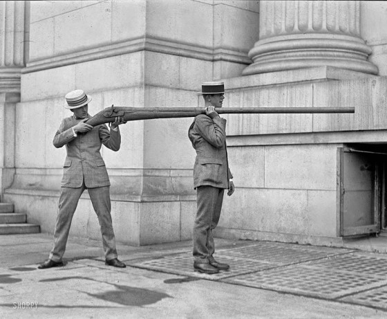 1 This punt gun was capable of discharging over a pound of shot at a time and could kill over 50 birds. This had a great negative effect on the birds and by the 1860s, it was banned in most states.